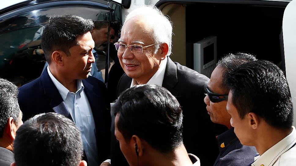 Почему бывший премьер-министр Малайзии Наджиб Разак был арестован