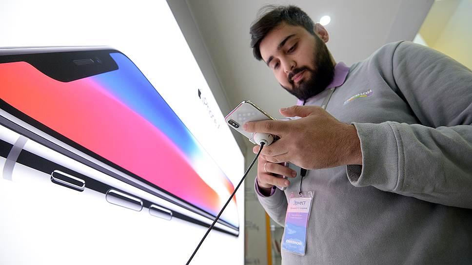 Рынок смартфонов поддержали ценой