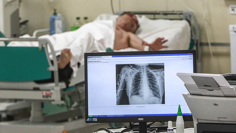 Как Госдума начала менять правила посещения тяжелобольных пациентов