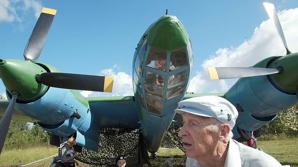 В Минобороны обсуждают перенос самолетов из старого музея в новый парк