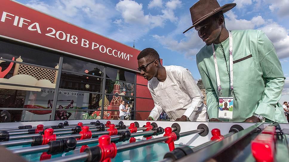 Как иностранцы пытаются получить по «паспорту болельщика» работу или убежище в России