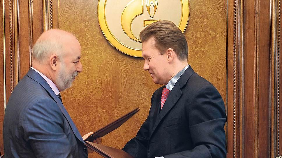 Виктор Вексельберг (слева) и глава «Газпрома» Алексей Миллер еще в 2011 году в торжественной обстановке подписывали соглашения о возможном объединении энергоактивов