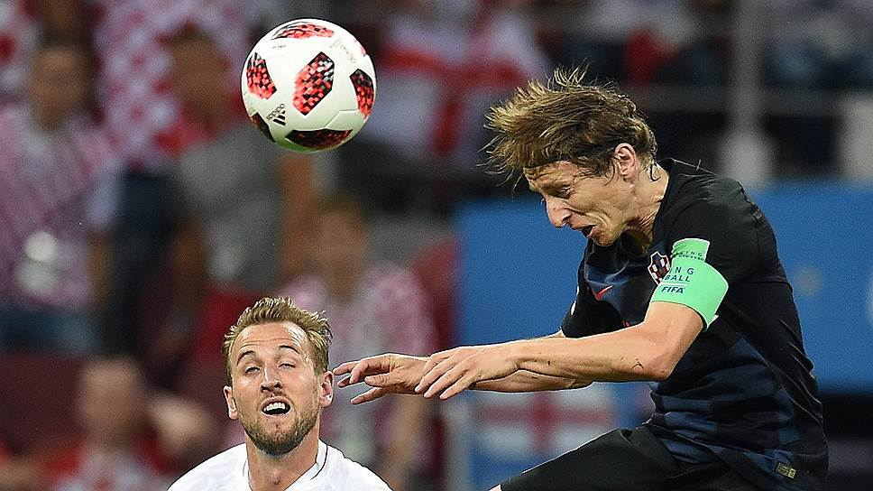 Одним из решающих факторов в финале может оказаться разница в возрасте и свежести соперников (на фото — 32-летний лидер хорватов Лука Модрич, под номером 10)