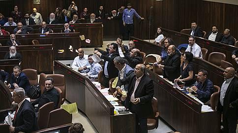 Арабскому языку отказали в израильской государственности // Кнессет принял закон о национальном самоопределении