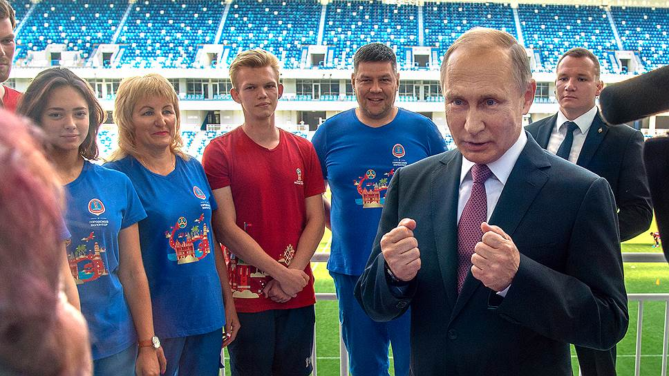 Встретившись с волонтерами, Владимир Путин впервые дал понять, что он за пенсионную реформу и что это добро будет с кулаками