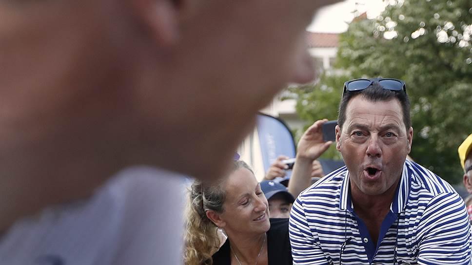 На протяжении всего Tour de France болельщики намекали Крису Фруму на его допинговое прошлое