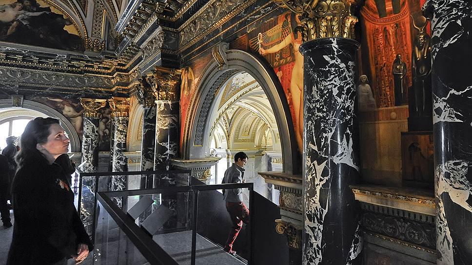 Венский Музей истории искусств сделал Климта ближе к народу, построив мостки для разглядывания его фресок вплотную