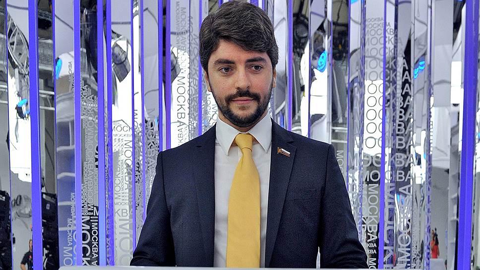Илья Свиридов готов и в мэры баллотироваться, и референдум проводить