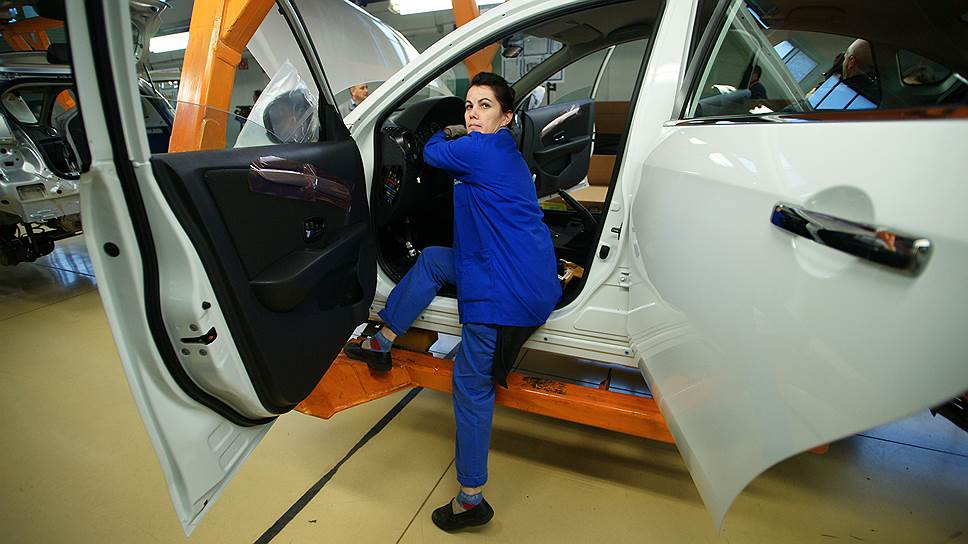 Минпромторг намерен с 2019 года ужесточить доступ автоконцернов к господдержке
