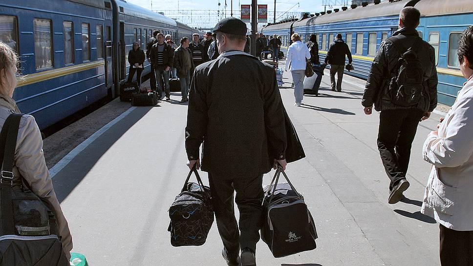 Киев может запретить пассажирские железнодорожные перевозки в Россию