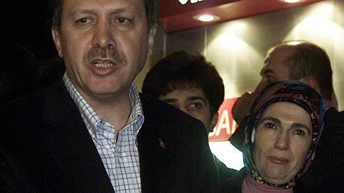 Кризис задумался об отдыхе в Турции // Падающая лира ждет итога переговоров в США