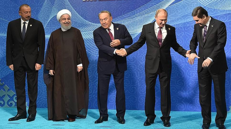 О том, что делать с Каспием, главы России, Казахстана, Азербайджана, Туркмении и Ирана пытались договориться много лет