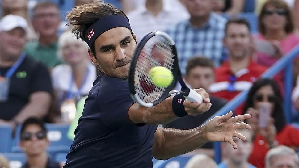 В своем первом матче после поражения в четвертьфинале Wimbledon Роджер Федерер (на фото) уверенно обыграл Петера Гойовчика