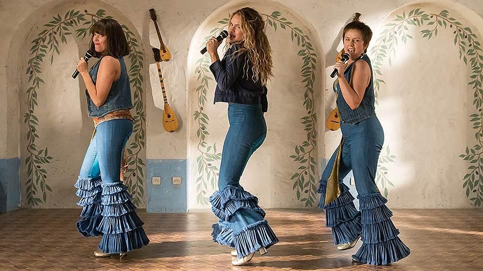 Сюжет в «Mamma Mia! 2», как и в первой части, не так важен, как песни и пляски