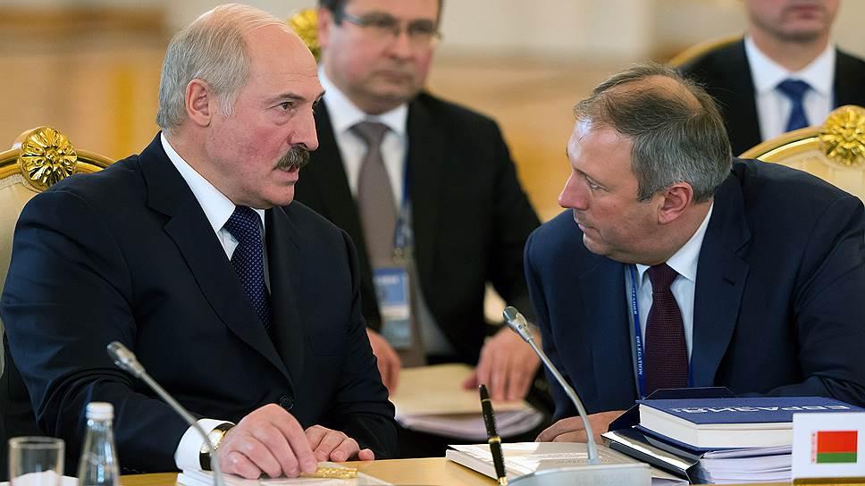 Президент Белоруссии Александр Лукашенко и премьер-министр Сергей Румас