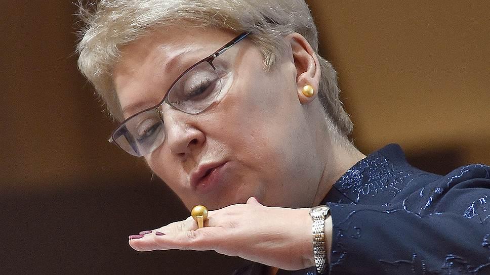 Ольга Васильева отказалась от приемных идей / У проекта об ужесточении правил усыновления все больше противников