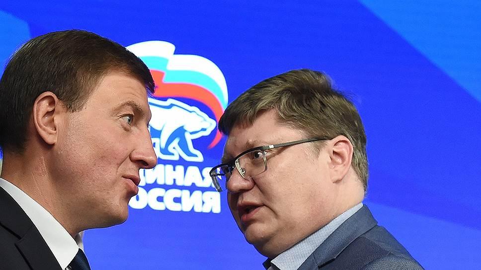 Предложение Андрея Турчака (слева) отказаться от пенсионных доплат парламентариям депутат Андрей Исаев впервые услышал на заседании, но поддержал