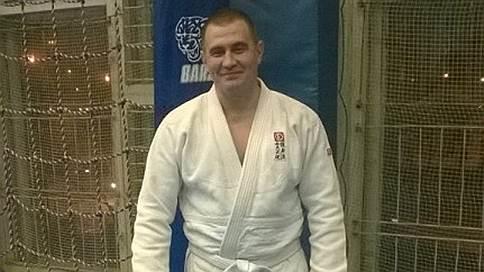Росгвардия попала в «Око» // Раненного в перестрелке в «Москва-Сити» спецназовца обвинили в хулиганстве