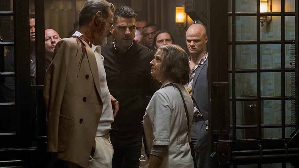 Джоди Фостер (справа) не испугалась решительно постареть в роли медсестры Джин