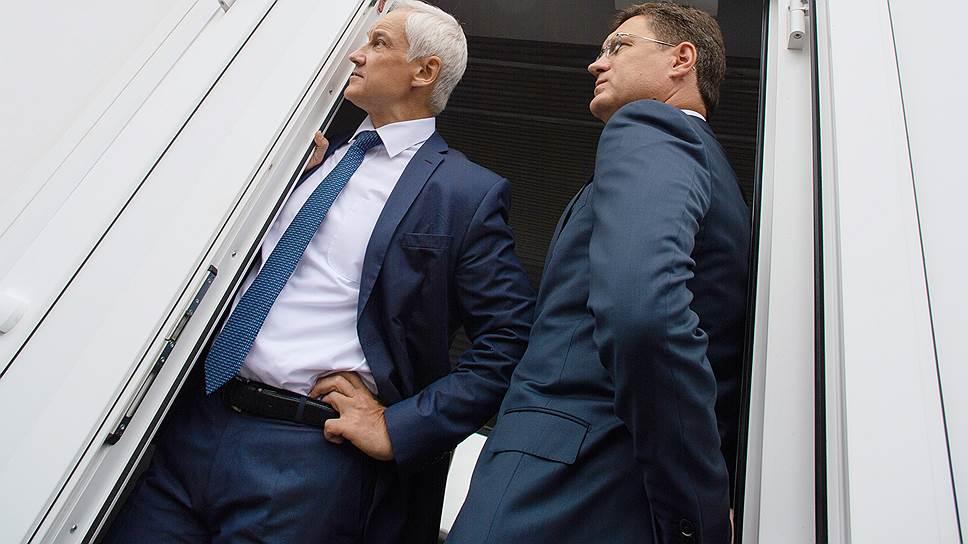 Промышленную политику, которую помощник президента Андрей Белоусов (слева) и министр энергетики Александр Новак (справа) вчера реализовывали «в полях» в Кемерово, бюджетная комиссия правительства видит под принципиально другим углом