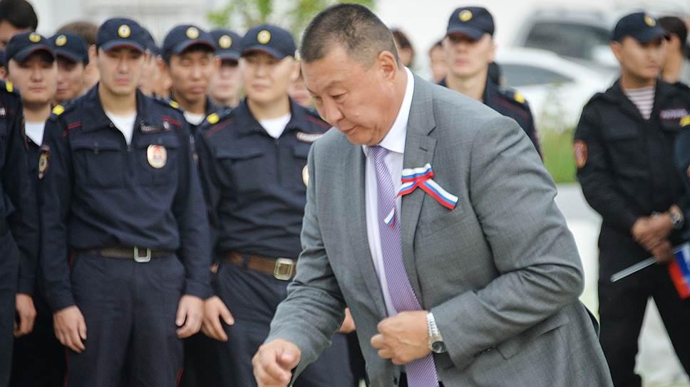 Кандидат в мэры Якутска от «Единой России» спикер гордумы Александр Саввинов до выдвижения был не самой публичной фигурой