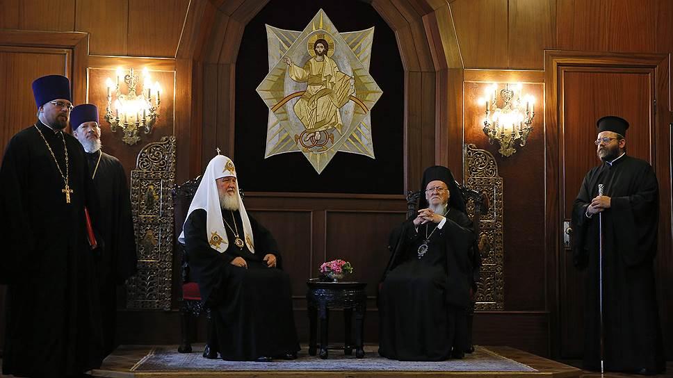 Как прошла встреча Вселенского патриарха и главы РПЦ