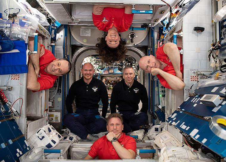 Появление дырки в «Союзе МС-09» связывают с действиями астронавтов, попытавшихся ускорить возвращение корабля на Землю
