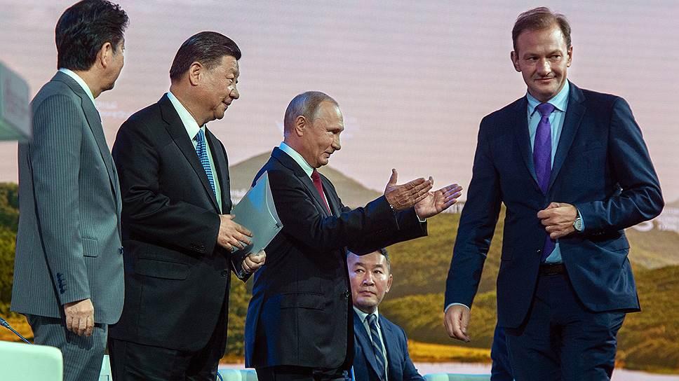 Как Владимир Путин предложил Синдзо Абэ подписать мирный договор без всяких условий