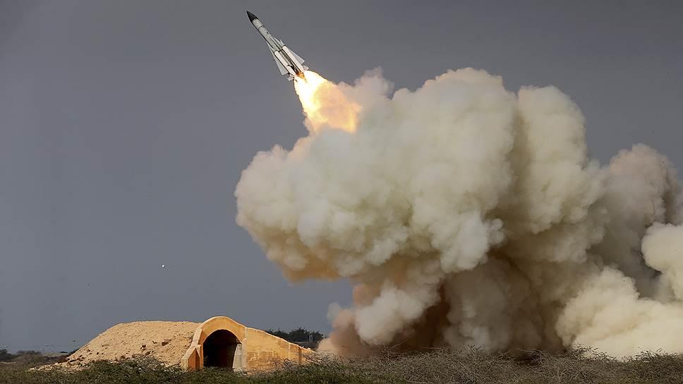 Ракета, выпущенная сирийским зенитным ракетным комплексом С-200 уже после того, как израильские истребители F-16 улетели на базу, сбила заходящий на посадку российский разведывательный самолет Ил-20