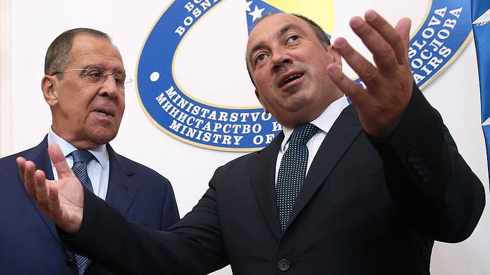 Глава МИД Боснии и Герцеговины Игор Црнадак (справа) пригласил своего российского коллегу Сергея Лаврова к сотрудничеству как со всей страной, так и с ее частями