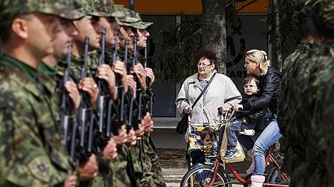 Президент Косово привел в боеготовность сербскую армию // Его прогулка на катере едва не обернулась войной