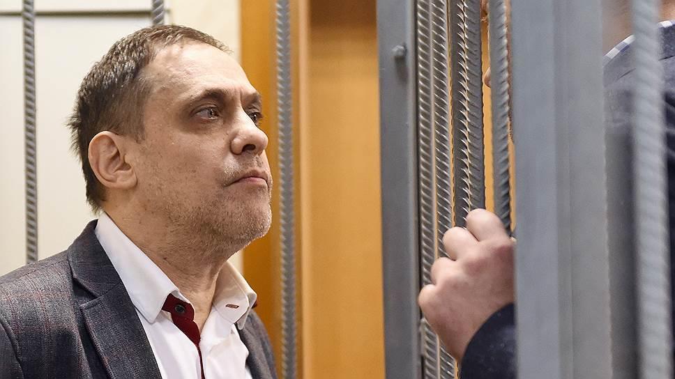 Бывший владелец Фондсервисбанка Александр Воловник настаивает, что все финансовые операции, проводимые банком, были законны