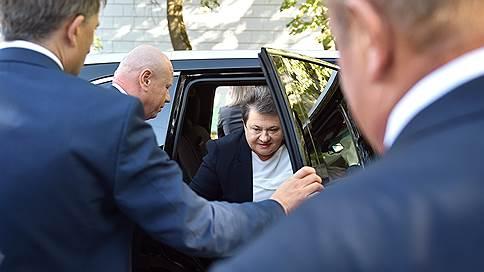 Под владимирского губернатора поправили устав // Выдвиженцу от ЛДПР придется согласовывать кадры с Единой Россией