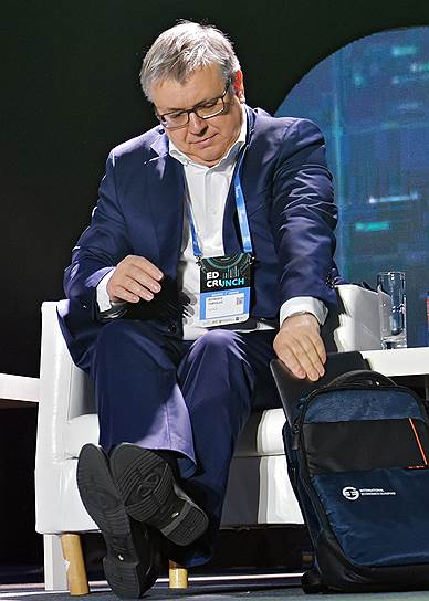 Ректор НИУ ВШЭ Ярослав Кузьминов считает, что современные студенты скучают на традиционных лекциях