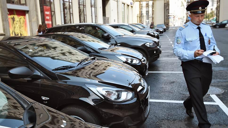 Новая редакция закона «О полиции» упростит для парковочной полиции розыск автовладельцев, не оплативших парковку