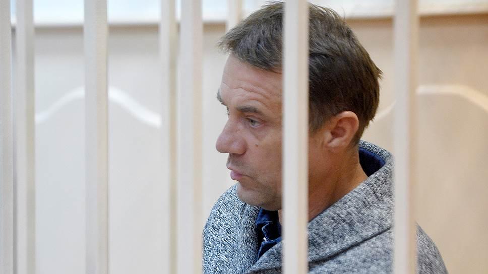 Валерий Маркелов и его партнеры, по версии следствия, передали полковнику Захарченко взятки на общую сумму 2 млрд руб.