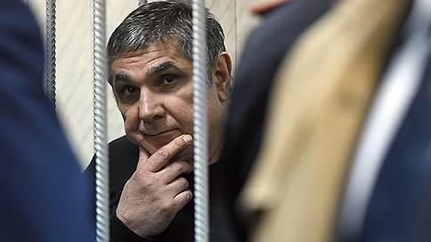 Лондонский опрос  / Обвиняемый в даче взяток генералам СКР утверждает, что они помогали ему бесплатно