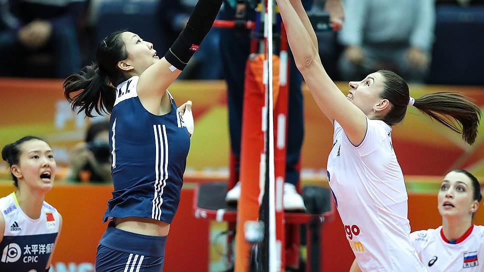 На чемпионате мира столкнувшаяся с кадровыми проблемами сборная России (справа — Ирина Королева) не смогла прыгнуть выше головы и побороться за медали