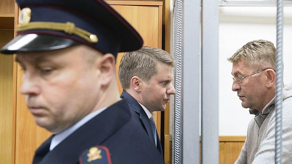 Вице-президента ОАК Сергея Герасимова (справа) арестовали, вспомнив его прежнюю работу в ФСО