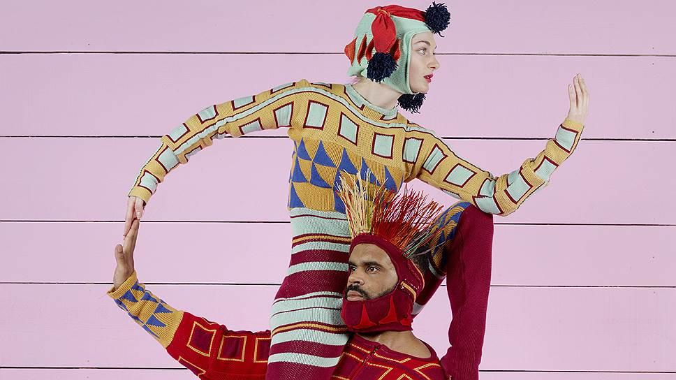 Артисты Филиппа Декуфле теперь развлекают зрителей не только орнаментами, но и зарисовками быта
