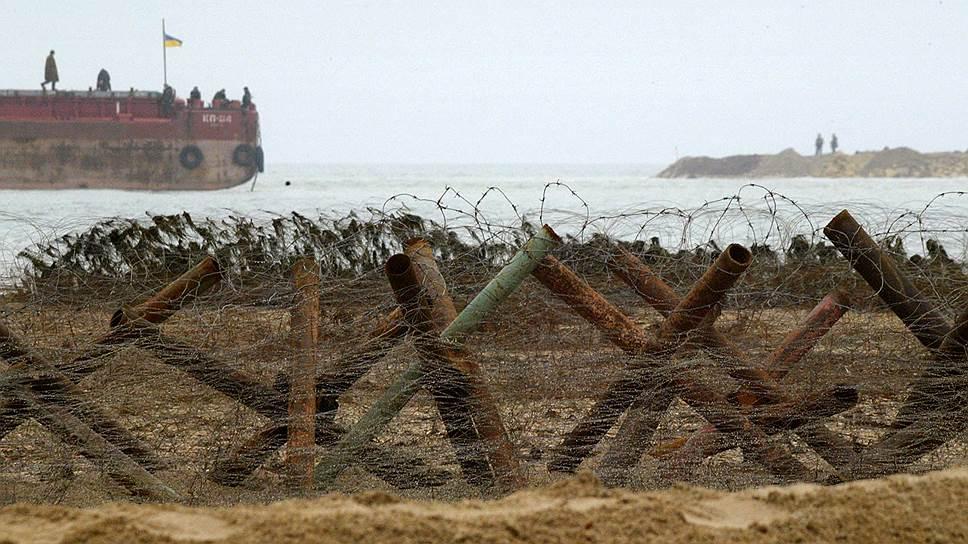 Комментируя резолюцию Европарламента, власти России и Украины обвинили друг друга в милитаризации Азовского моря
