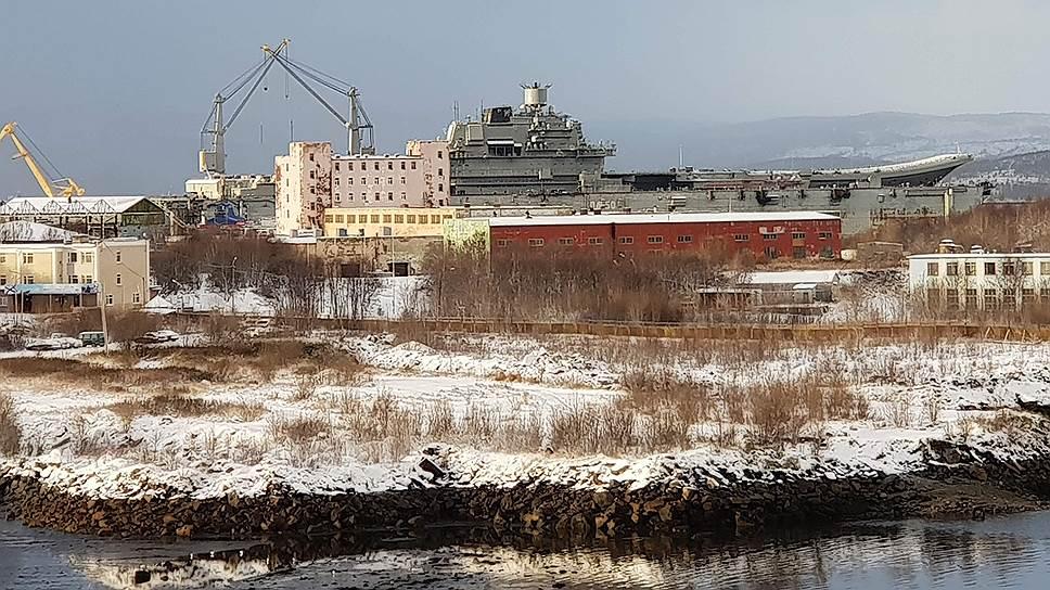 Из-за утопления плавучего дока в Кольском заливе проводить ремонт больших кораблей и подлодок теперь негде
