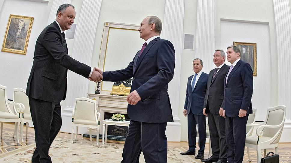 Президент Молдавии Игорь Додон и президент России Владимир Путин