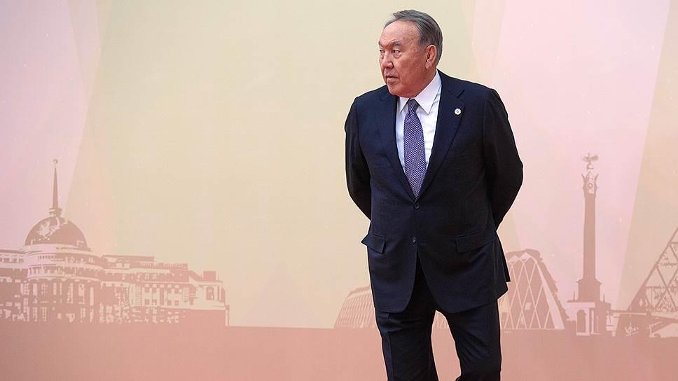 Президент Казахстана Нурсултан Назарбаев, как и остальные его коллеги, в этот день так и не смог ничего решить