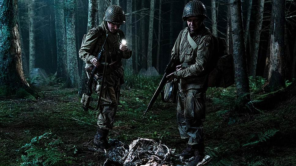 «Оверлорд» поначалу похож на самый настоящий фильм про войну, причем снятый на удивление качественно