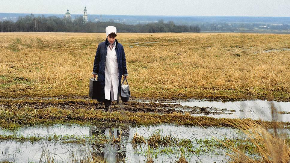 Сельская Россия в среднем реже и хуже лечится и живет в результате на два года меньше городской
