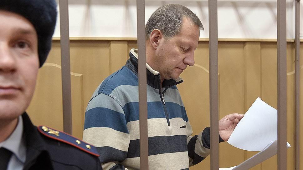 Бывший руководитель ЭКЦ МВД Петр Гришин уверен, что все расходы на новое оборудование для его ведомства были обоснованны
