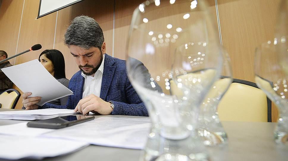 Экс-кандидат в мэры Москвы Илья Свиридов разыскивает кандидатов в столичный парламент