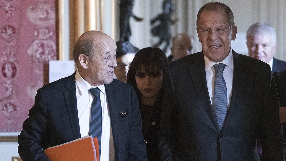 Главы МИД Франции и России Жан-Ив Ле Дриан и Сергей Лавров признали наличие «расхождений во взглядах», однако сочли их некритичными
