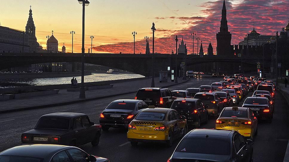 Почему борьба с пробками в центре Москвы, как всегда, привела к подорожанию